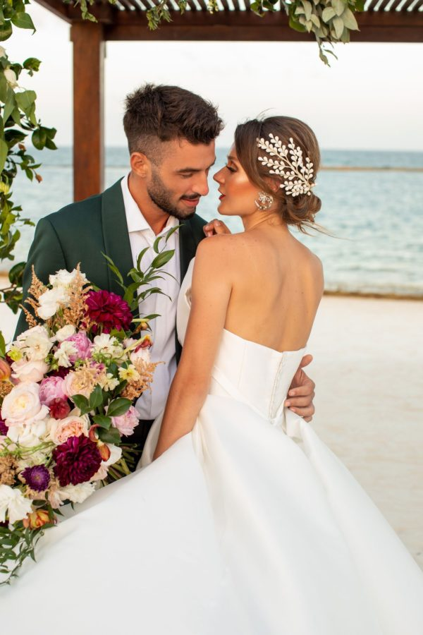Inspirational Destination Wedding Shoot with Romantic Florals in Mexico